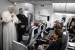 """Migranti, il Papa benedice la strategia italiana: """"Non solo ricevere ma integrare"""""""