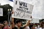 """Migranti, Trump abroga il piano """"Dreamers"""" per i figli degli irregolari"""