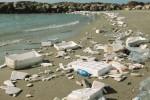Rifiuti abbandonati al porto di Sciacca: caccia ai responsabili