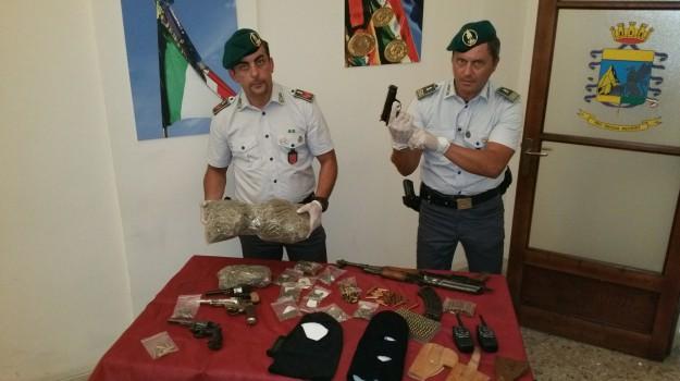 guarda di finanza catania, sequestro armi e droga catania, Catania, Cronaca