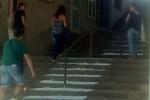 Leonforte, strisce pedonali sulla scalinata per un ipovedente