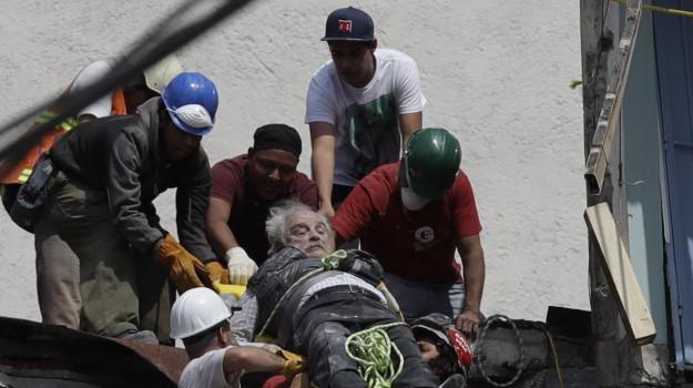 Città del Messico, sisma, sisma messico, benjamin netanyahu, Papa Francesco, Vladimir Putin, Sicilia, Mondo