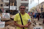 """L'allarme del sindaco di Lampedusa: """"Noi vittime di molestie, furti e minacce l'hotspot va chiuso, l'isola è al collasso"""""""