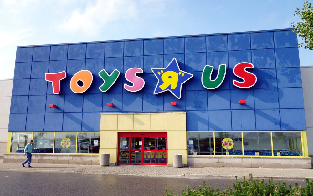 Chiude Toys r' us E Amazon vola