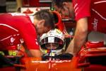 Gp di Singapore: fantastica pole di Vettel, Hamilton quinto