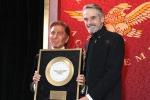 Moda: Valentino premiato con Golden Plate Award a Londra