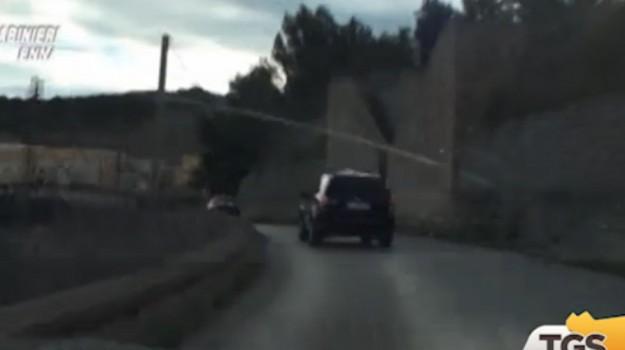 Ricambi per auto e moto, truffa nella vendita online: arrestata coppia di Enna