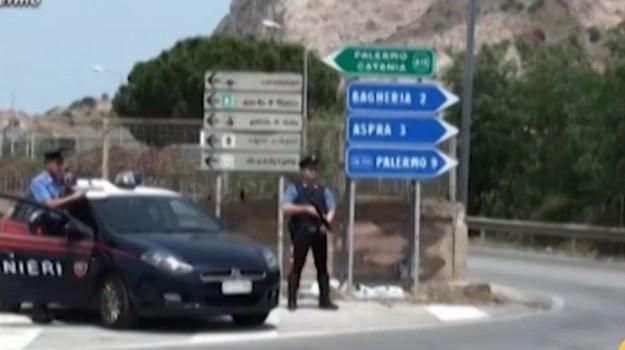 Droga nei locali della movida, blitz a Bagheria: 12 arresti
