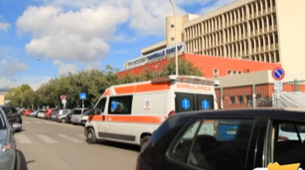 Formiche al Civico di Palermo: chiuso reparto, arrivano i Nas