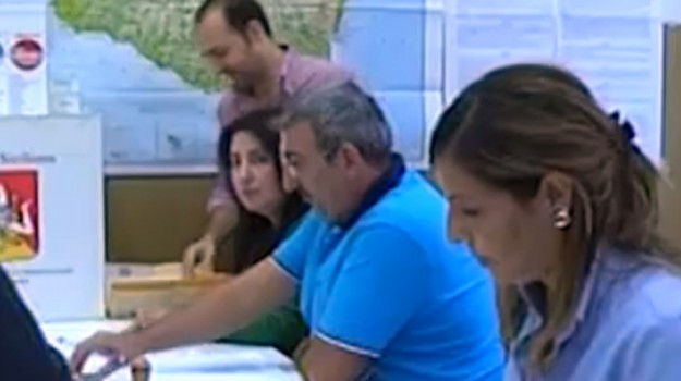 Regionali, moduli per le candidature: è caos negli uffici elettorali