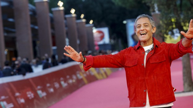 """Fiorello al Festival del Cinema: """"Ricordo ancora i film che vedevo con mio padre ad Augusta"""""""