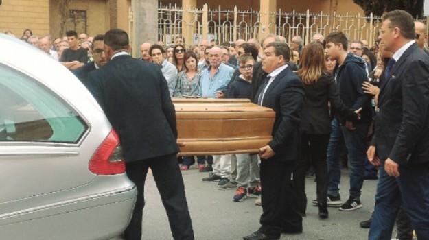 comune di erice, funerali erice, daniela toscano, gisella toscano, Trapani, Cronaca