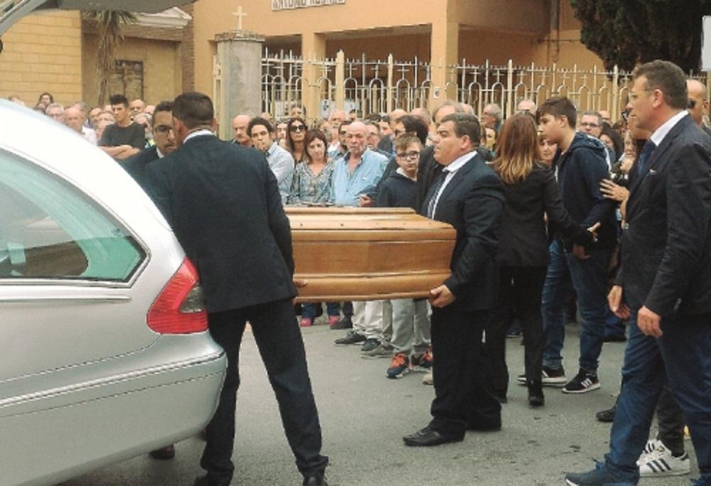 Ben noto Una poesia per l'ultimo saluto a Gisella Toscano, morta dopo un  RP38