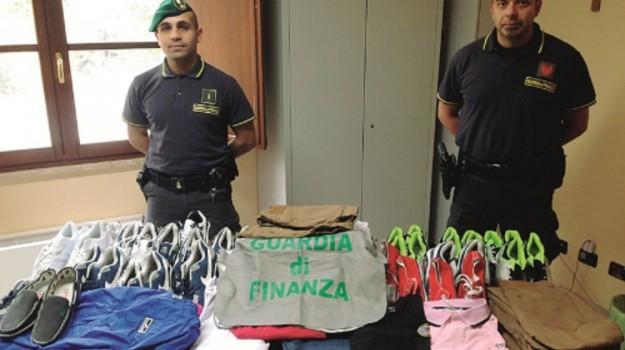 blitz della guardia di finanza, caltanissetta, merce contraffatta, Caltanissetta, Cronaca
