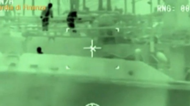 Gasolio rubato in Libia e venduto in Europa: blitz con 6 arresti e due ricercati