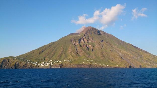 Isole Eolie fondi, Messina, Economia