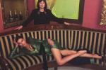 Abito verde luccicante, scollatura mozzafiato e spacco: Irina Shayk star assoluta a Verona