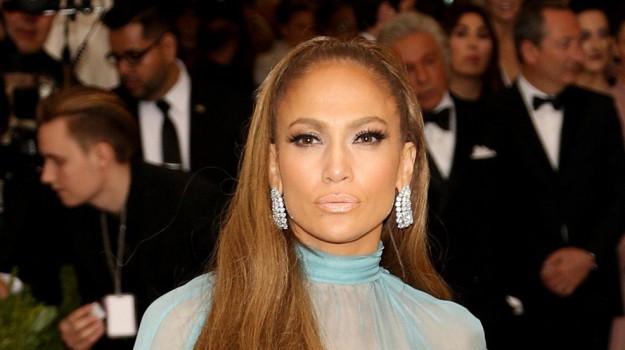 attico jlo 27 milioni dollari, attico new york jennifer lopez, Jennifer Lopez, Sicilia, Società