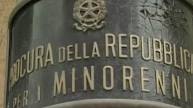 Episodi di bullismo in piscina, 8 indagati a Palermo: coinvolti anche gli istruttori
