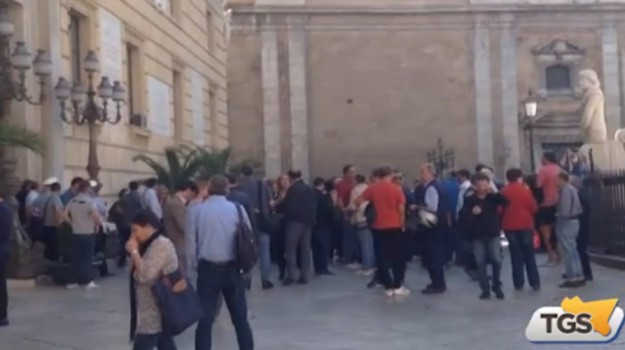 In attesa di stabilizzazione, la protesta dei lavoratori comunali a Palermo