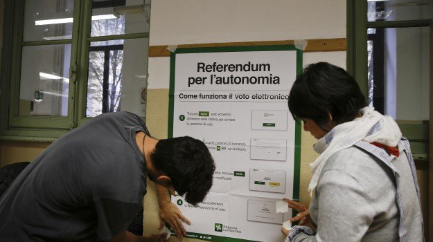 Autonomia, Lombardia e Veneto al voto Seggi aperti oggi per il referendum