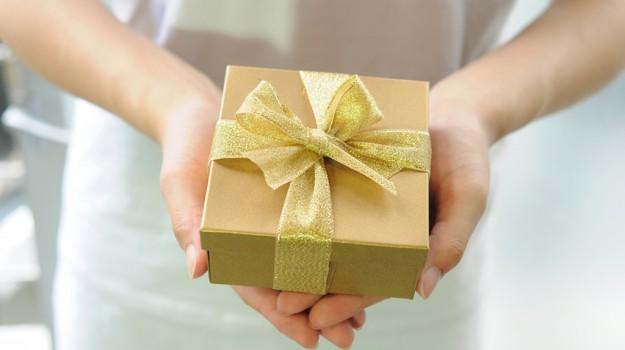 donna generosità uomini, ricerca dono donna, Sicilia, Società