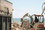 Licata, ruspe in azione per demolire altre due villette
