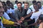 Migranti in campo con Totò Schillaci: le foto del primo allenamento a Palermo