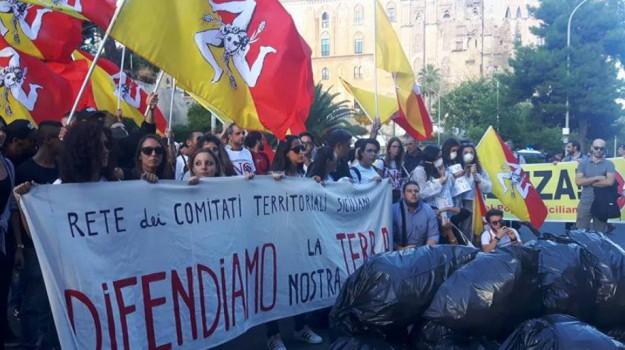 sacchi neri a Palermo, Palermo, Cronaca