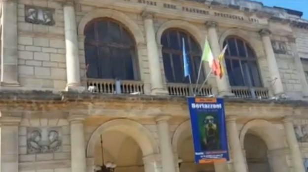 Teatro Vittorio Emanuele di Messina, facciata nel degrado