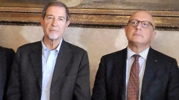 finanziaria ars, Sicilia, Politica