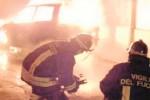 Altra notte di fuoco a Niscemi, due auto distrutte dalle fiamme