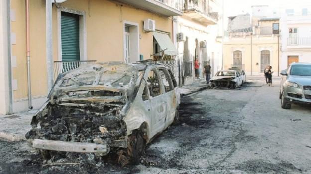auto incendiate rosolini, Siracusa, Cronaca