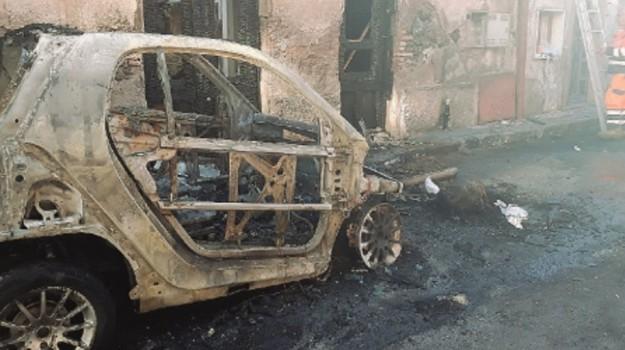 auto incendio biancavilla, Catania, Cronaca