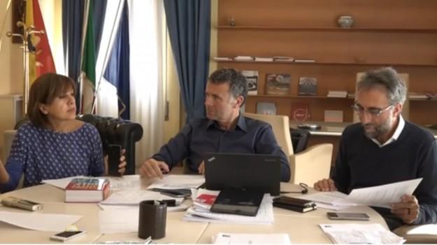 Aumenti regione Sicilia forestali, finanziaria regionale, Alessandro Baccei, Sicilia, Economia