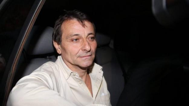 Cesare Battisti, Sicilia, Mondo