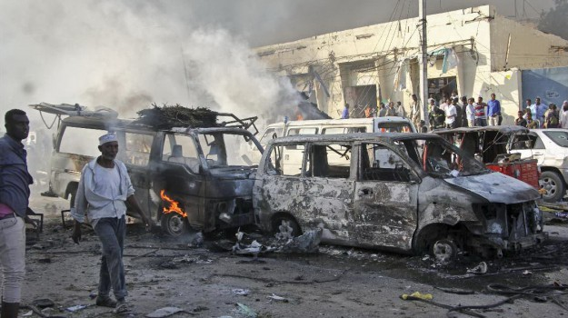 camion bomba mogadiscio, Sicilia, Mondo