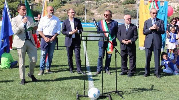 campo calcio lampedusa, lega b, carlo tavecchio, Luca Lotti, Agrigento, Cronaca