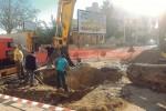 Cantiere aperto in via Marsala a Trapani, si ripara il guasto