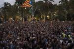 """Catalogna, indipendenza sospesa. Madrid: """"Inammissibile, è un ricatto"""""""