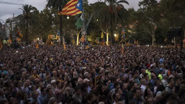 Catalogna elezioni, Sicilia, Mondo