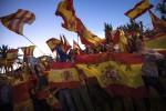 Il corteo degli Unionisti a Madrid, contrari all'indipendenza della Catalogna