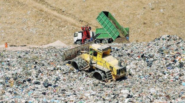 gestione rifiuti Palermo, regione sicilia, settima vasca Bellolampo, Palermo, Politica