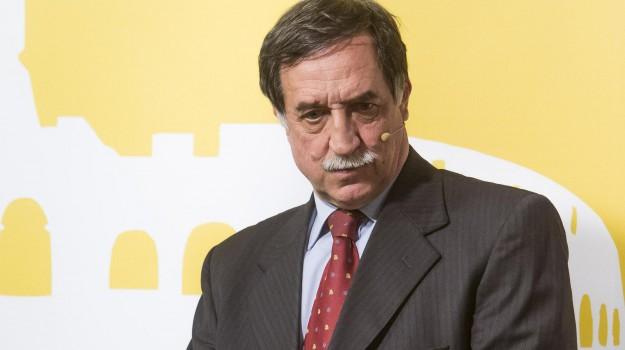 assunzione figlio sottosegretario, servizio le iene, Sicilia, Politica