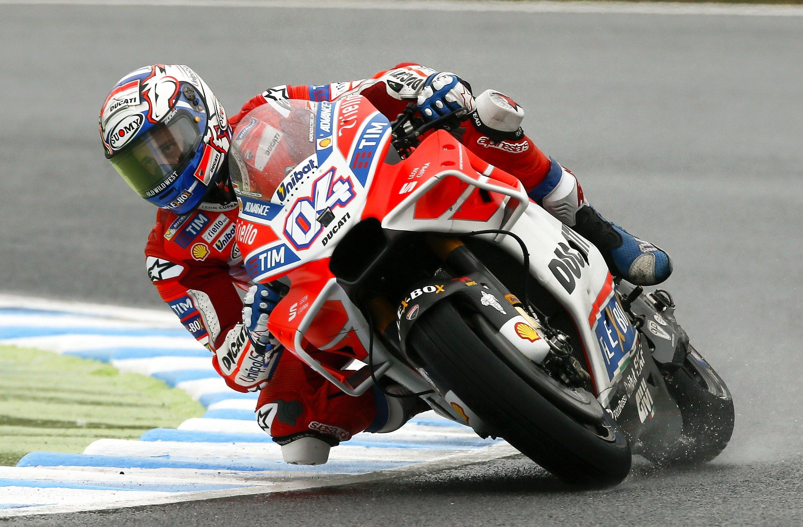MotoGp, trionfa Dovizioso Valentino fuori