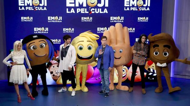 emoji, emoticon, Sicilia, Società