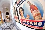 Cinzano festeggia i 260 anni con una grande mostra a Torino