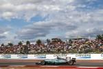 Negli Usa super pole di Hamilton, ma Vettel è subito dietro