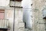 Pronte le ruspe, si abbatte l'edificio di via Barile a Caltanissetta