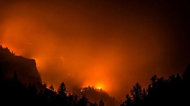 incendio california evacuazioni, Sicilia, Mondo